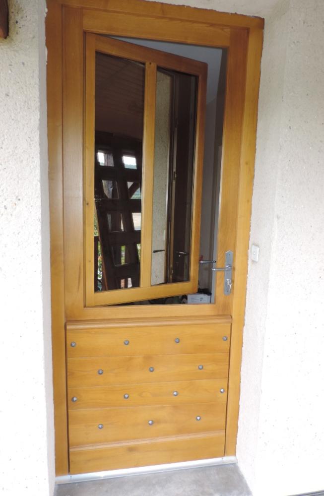 Porte d'entrée périgourdine sur mesure